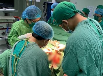 Cảnh giác: Bệnh nhân suýt mang họa vì tự ý xông thuốc vùng sinh dục