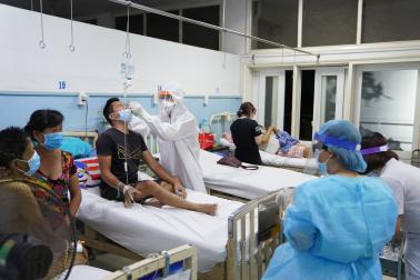 TP.HCM 'nín thở' chờ kết quả xét nghiệm Covid-19 hơn 40.000 mẫu lấy từ các bệnh viện
